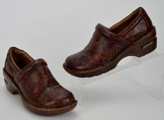 Born BOC Peggy Women's Size 7 M Brown Tooled Floral Leather Clogs Shoes #Born #Clogs #Casual