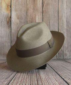 d3aec4bca465 31 meilleures images du tableau Ato   Caps hats, Fascinators et ...