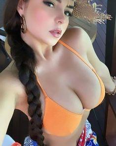 Beautiful Eyes, Gorgeous Women, Beautiful Pictures, Looks Pinterest, Brunette Beauty, Sexy Poses, Alessandra Ambrosio, Look At You, Bikini Models