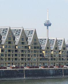 Bild: Das Siebengebirge - Einst ein Speicher der Hanse, heute Wohn und #Gewerbeobjekt. Zu sehen im Kölner Rheinauhafen- #Cologne.  Foto:www.handwerkernet.de