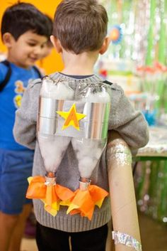 25 Pretend Play Ideas - Bright Star Kids Rocket Ship Birthday Party via Kara's Party Ideas Rocket Ship Party, Diy Rocket, Rocket Ship Craft, Astronaut Party, Astronaut Craft, Astronaut Costume, Birthday Party Places, Rocket Birthday Parties, Birthday Diy