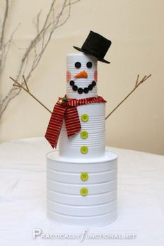 Awesome DIY Christmas Home Decorations and Homemade Holiday Decor Ideas - Quick and Easy Decorating ideas, cool ornaments, home decor crafts and fun Christmas stuff  | Crafts and DIY projects by DIY Joy  |  Tin Can Snow Man |  http://diyjoy.com/diy-christmas-decor-holiday-decorations