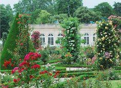 Jardin De Bagatelle Paris   Hans schrijft zijn ode aan Guerlain's Jardins de Bagatelle