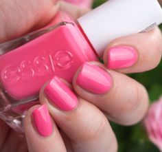 Essie Signature Smile Gel Couture Pink Summer Nailpolish