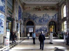 The entrance hall of Porto train station  (Portugal)