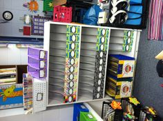 Organize daily 5 book boxes for students