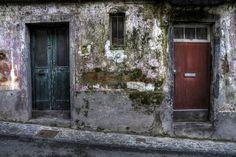 Las fachadas de la Región Autónoma de las Azores, un grupo de nueve islas portuguesas situadas en medio del océano Atlántico, a unos 1400km al oeste de Lisboa y que forman parte de la Macaronesia.