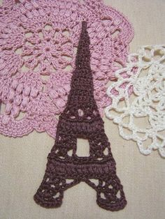 A crocheted Eiffel Tower! #crochet #Paris