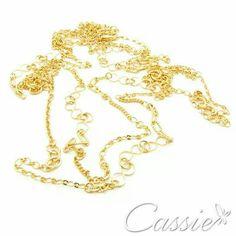 Colar Svariato, comprido de duas voltas, folheado a ouro.    #Cassie #semijoias #acessórios #brincos #love #estilo #inspiração #trends #tendências #Inspired #good #happy #moda #fashion #cute #cool #lifestyle #look #folheado #dourado #lookdodia #picoftheday #beautiful #girl #anelismo #aliança #amo #likes