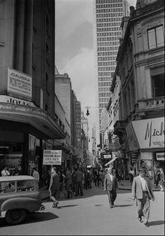 1966 - Rua São Bento, centro de São Paulo.