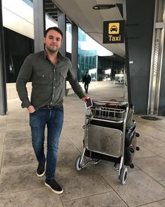 ettemadis:    Early arrival #valencia (bij Valencia Airport)