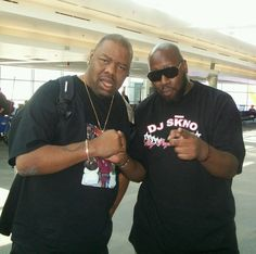 I Have Been Running Into Legends All Week Long And Just Bumped Into My Friend Biz Markie @Mark Perez  At The Airport! #MixshowLiveVegas #MixshowLive3LasVegas @MixshowLiveLLC @OfficialCoreDJs @thecoremodels #URLvegas #palms #branding #working  For All Bookings, Mixtapes And Interviews Of DJ SKNO Please Contact Us At booking@whoknowsdjskno.com Thank You!  DJ SKNO™ @COREDJSKNO CORE DJ's™ @OfficialCoreDJs @StayPayinAtten #Coredjs #Staypayinattention #OHraised #djskno #Coredjskno #Gametight…