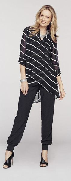 Love this Graphic Stripes .Look for Mom and me Modest Fashion, Fashion Outfits, Womens Fashion, Fashion Trends, Ladies Fashion, Dress Fashion, Casual Wear, Casual Outfits, Work Outfits
