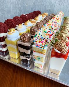 multiple flavors of dessert in shot glasses Mini Desserts, Mini Dessert Cups, Wedding Desserts, Just Desserts, Mini Dessert Shooters, Cake Shooters, Shot Glass Desserts, Wedding Dessert Bars, Wedding Candy Table