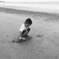 Trying to draw my name in the sand. #coronado #coronadobeach #northisland #treyjohnson #instakids #instagram #followme #sandiego #sandiegoconnection #sdlocals #coronadolocals - posted by Trey Johnson https://www.instagram.com/babytreyjohnson. See more post on Coronado at http://coronadolocals.com