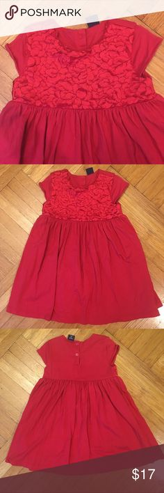 GAP Embroidered Red Short Sleeve Dress This GAP Embroidered Red Short Sleeve Dress is lovely and sophisticated for any little girl. The top part of the dress has embroidered cut-out fabric that looks like an intricate floral design. Worn only once and in excellent condition. Size 4. GAP Dresses Casual