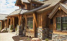 hardie board log cabin siding---- is that really what this is? Wood Siding House, Log Cabin Siding, House Paint Exterior, Exterior Siding, Exterior Colors, Exterior Design, Log Cabins, Hardie Board Siding, Barn Siding