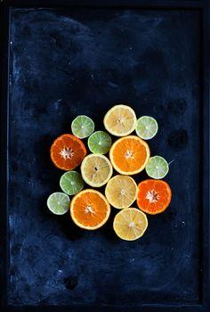 A clementine cake and citrus curd http://www.callmecupcake.se