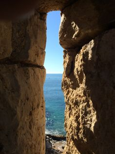 """See 1115 photos and 25 tips from 5047 visitors to Tossa de Mar. """"A really beautiful town. The best place to visit is the Castle right next to the. Cool Places To Visit, Mount Rushmore, The Good Place, Costa, Spanish, Barcelona, Europe, Mountains, Travel"""