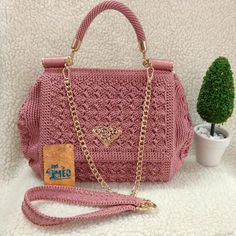 Crochet Bag + Diagram + Step By Step Tutorials Crochet Handbags, Crochet Purses, Diy Tote Bag, Bobble Stitch, Macrame Bag, Bead Crochet, Crochet Lace, Simple Bags, Crochet Patterns For Beginners