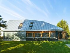 Metal-clad House L is a contemporary holiday retreat in Finland House L by OOPEAA – Inhabitat - Green Design, Innovation, Architecture, Green Building Interior Design Magazine, Commercial Architecture, Residential Architecture, Zinc Roof, House Roof, House Yard, Farm House, Scandinavian Home, Architect Design