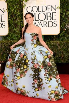 This would make a gorgeous wedding gown! Carolina Herrera 2013. Lucy Liu -