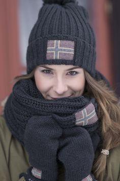 Barfota Love Norway strikket hals, mørk grå