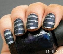 Looove the matte polish with glitter!