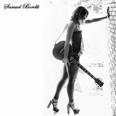 Não coloque barreiras em sua arte  e se tiver alguma.. Use a seu favor =D Contato: http://ift.tt/27Z13TL Whatsapp: 16 9 97259188 #instagood #photooftheday #picoftheday #fotografar #instagramphotograph  #ensaiofotografico #book #instaphoto #ilovephotograph  #love #modelo #retratos #moda #fashion #model #fitness #music #blackandwhite #rockandroll #guitar