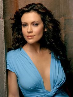 alyssa milano  Great pic of her!