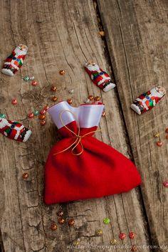 DIY: Santa sack party favour bags