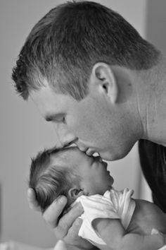 Newborn photos at hospital daddy and baby