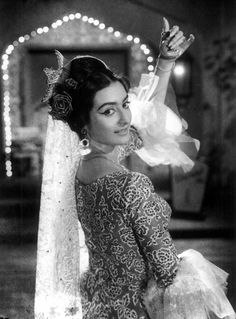 Other than an actor Saira Banu is now known for her true love for actor husband What are your favorite films of her? Asian Celebrities, Bollywood Celebrities, Bollywood Actress, Asian Actors, Old Film Stars, Asian Photography, Indian Star, Vintage Bollywood, Ethereal Beauty