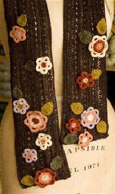 Free flowery scarf pattern