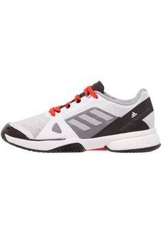 ¡Consigue este tipo de deportivas de Adidas Performance ahora! Haz clic para ver los detalles. Envíos gratis a toda España. Adidas Performance BARRICADE BOOST 2017 Zapatillas multipista white/universe/red: adidas Performance BARRICADE BOOST 2017 Zapatilla