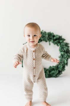 Baby Christmas Photos, Red And Gold Christmas Tree, Baby Boy Christmas, Christmas Mini Sessions, Colorful Christmas Tree, Christmas Minis, Christmas Outfits, Cute Funny Baby Videos, Cute Funny Babies