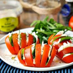 Have you guys had these? Truly a Delicious snack or appetizer. By @fussfreecooking. Tomatoes Mozzerella cheese, fresh basil, olive oil, pepper. Another option is balsamic vinegar. Yummy. #befitsnacks #Padgram