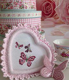 Butterfly Cross Stitch, Cross Stitch Heart, Diy Embroidery, Embroidery Stitches, Cross Stitch Designs, Cross Stitch Patterns, Cross Stitch Quotes, Crochet Decoration, Granny Chic