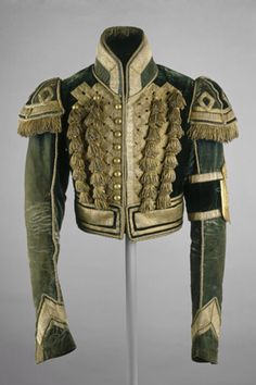 Postilion's jacket, 1825-1855. Russian Court Dress. All ranks of imperial servants wore livery, or court uniform. The postilions and coachmen, accompanied the emperor's entourage on formal outings, either riding on horseback or driving the imperial... Military Dresses, Military Clothing, Military Costumes For Women, Military Fashion, Vintage Military Uniforms, Military Style, Military Jacket, Moscow Kremlin, Historical Costume