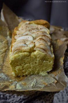 Dieta wątrobowa - ciasto z jabłkami #MagazynGRYZ #gryz Sweet Recipes, Good Food, Food And Drink, Gluten Free, Bread, Baking, Breakfast, Cakes, Per Diem