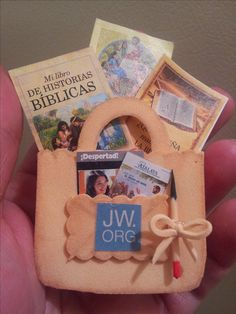 regalo para JW testigos de Jehova Pioneer School Gifts, Pioneer Gifts, Jw Pioneer, Jw Gifts, Craft Gifts, Caleb Y Sophia, Jw Convention, Jehovah's Witnesses, Thoughtful Gifts