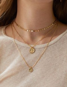 Gold Medallion Layered Necklace Angel Coin Necklace Gold Layering necklace Wax Sealing Disc Necklace Non secular Necklace Hyperlink Chain Reward Colar Fashion, Fashion Necklace, Fashion Jewelry, Women Jewelry, Fashion Fashion, Fashion Vintage, Fashion Poses, Fashion Editorials, High Fashion