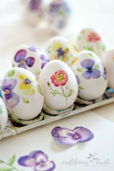 DIY Watercolor Easter Eggs. Display the sweet seasonal look by simply paint some colorful flowers for the adorable eggs. Do these springtime inspirations with your imagination.
