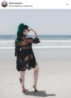 🌊🖤🌊🖤🌊 Pic by Swimwear and kimono from Ponytail extension from (discount code dreronayne) Legging Outfits, Plus Size Goth, Capelet Dress, Summer Outfits, Cute Outfits, Mint Dress, Looks Plus Size, Bikini For Women, Girl With Curves