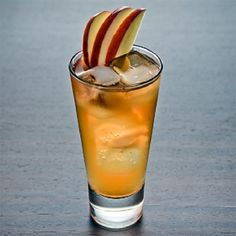 With apple butter, maple syrup and hard cider, this cocktail is like fall in a cup. HUDSON HIGHLAND CUP COCKTAIL 2 oz Highland Park Single Malt Scotch Whisky 1 tsp apple butter 1 oz Fresh lemon juice oz Grade A maple syrup 1 dash Pastis Hard cider Cider Cocktails, Holiday Cocktails, Whiskey Cocktails, Halloween Bebes, Thanksgiving Cocktails, Brunch, Halloween Drinks, Your Soul, Scotch Whiskey