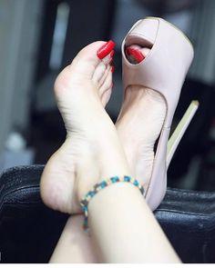 Foot sex nails