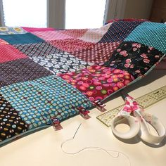 36 New Ideas applique quilting patchwork Coin Couture, Baby Couture, Couture Sewing, Colchas Quilting, Quilting Board, Patchwork Tutorial, Patchwork Blanket, Plaid Patchwork, Patchwork Quilt Patterns