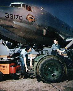 Colour photographs of W.A.V.E.S. - Retronaut
