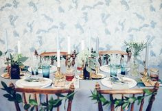 Out-of-the-Box Table Setting Ideas for the Holidays — Minimalist/Maximalist