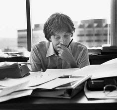 Bill Gates at his Bellevue Office Bill Gates Steve Jobs, Steve Wozniak, Apple Ii, Microsoft, Smart People, Good People, Software, Best Credit Cards, Ring True